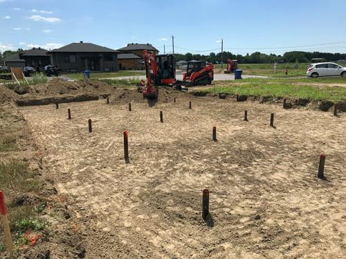 Excavation Fondasec - semelles de fondation, nivellement, excavation pour murs de fondation, extensions, rallonge.   Fondasec.com